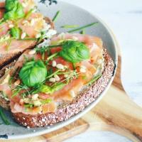Brood met zalm en verse kruiden!
