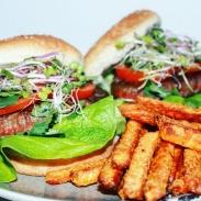 Wat eten we vandaag - zoete aardappel friet en hamburgers