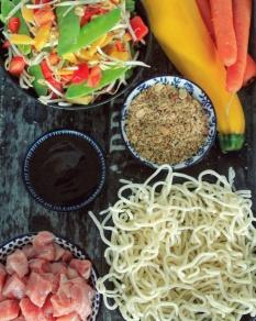 Ingrediënten Udon noodles met groenten en varkensvlees - Healthylivinglisan