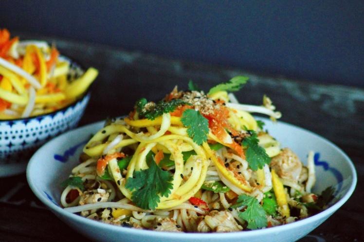 Udon noodles met groenten en varkensvlees - Healthylivinglisan